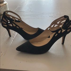 Adrienne Vittadini black suede heel shoes w/ strap